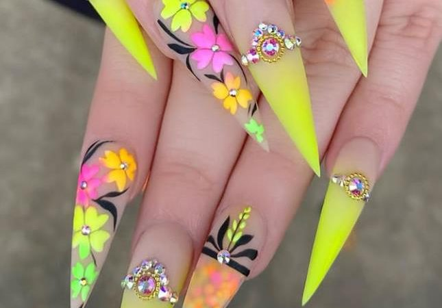Don't Miss The New Trend Of Stiletto Nails Ideas Fashion In The Spring Of 2020