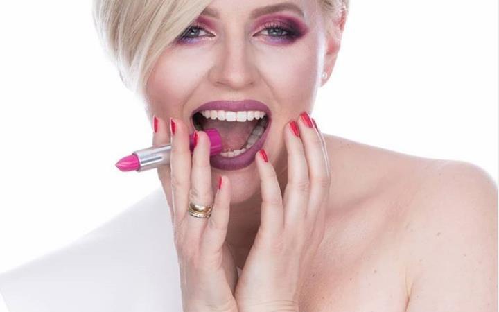 23 Top Rose Gold Makeup Ideas To Look A Goddess