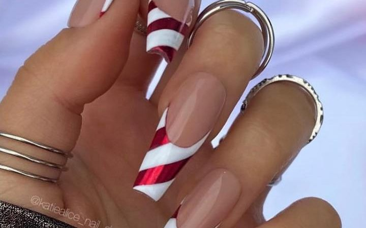 30 Festive Christmas Acrylic Coffin Nail Designs