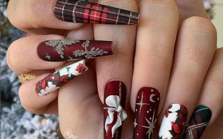 Manicure/ Christmas is Coming. Are Your Nails on Holiday?