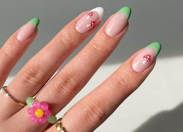 30 Amazing Almond Nail Design in May 2021