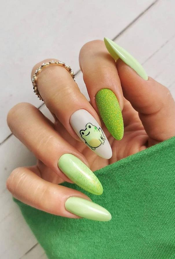 Although it is a good idea to have all year round nails that grabs an eye, but the summer can make you feel more adventurous spirit. Whether it's super bright color, fresh texture, the shape of a fashion, or a bold design, it is time to change it now. Read on and you will find some simple ways to update your signature style, and this season is the most popular summer nail design concept, make your nails to the next level.