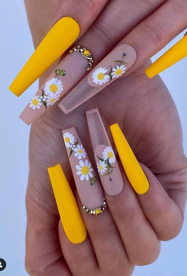 34 Most Popular Summer Nail Design For May 2021
