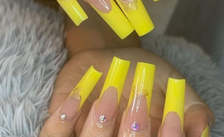 32 gorgeous yellow acrylic nails to spice up your fashion in summer 2021