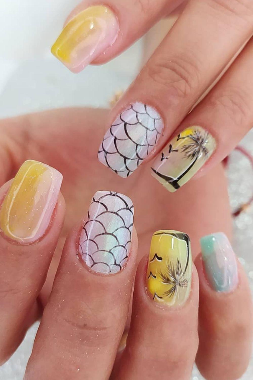 Short beach nails designs