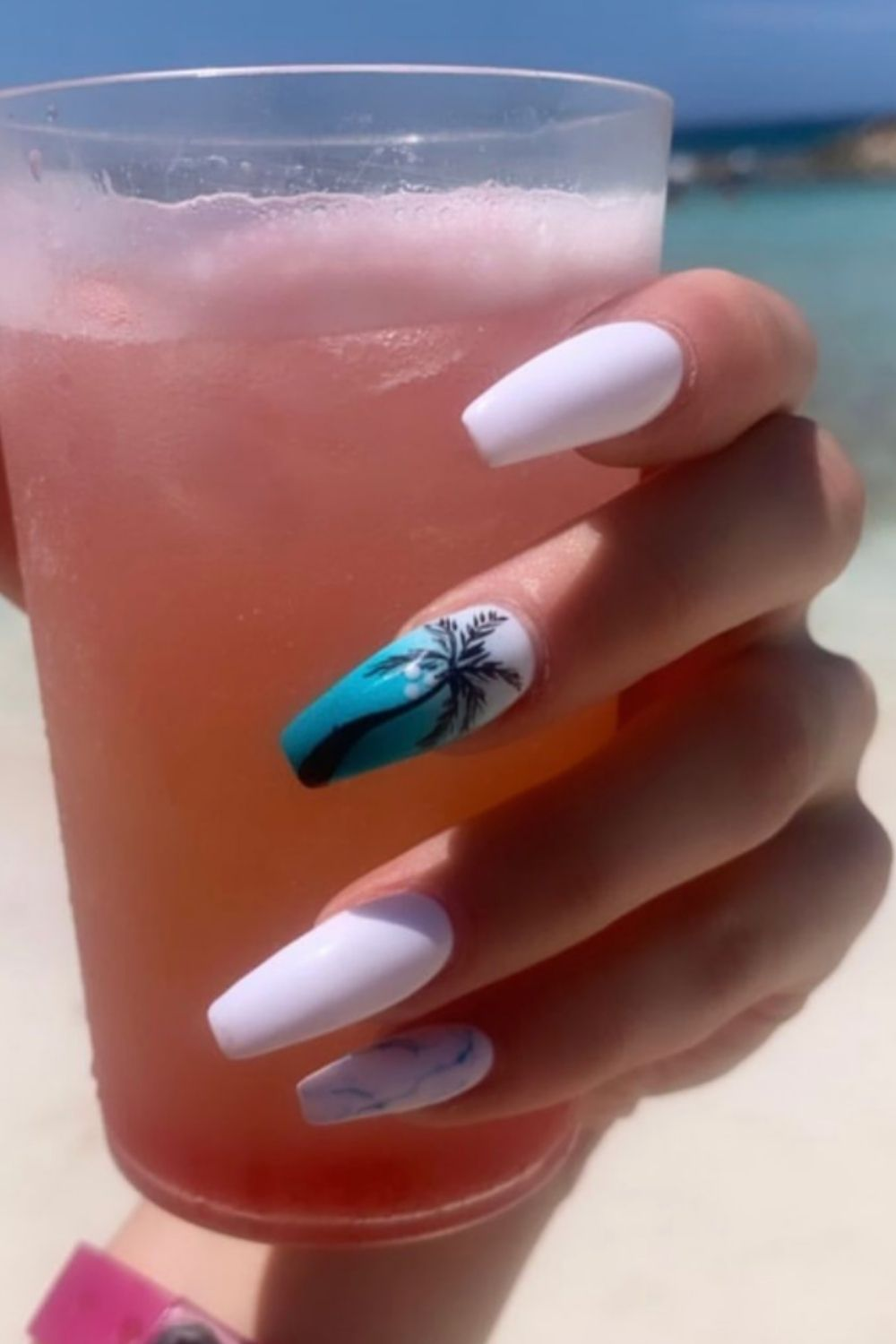 Palm tree nails art and white marble