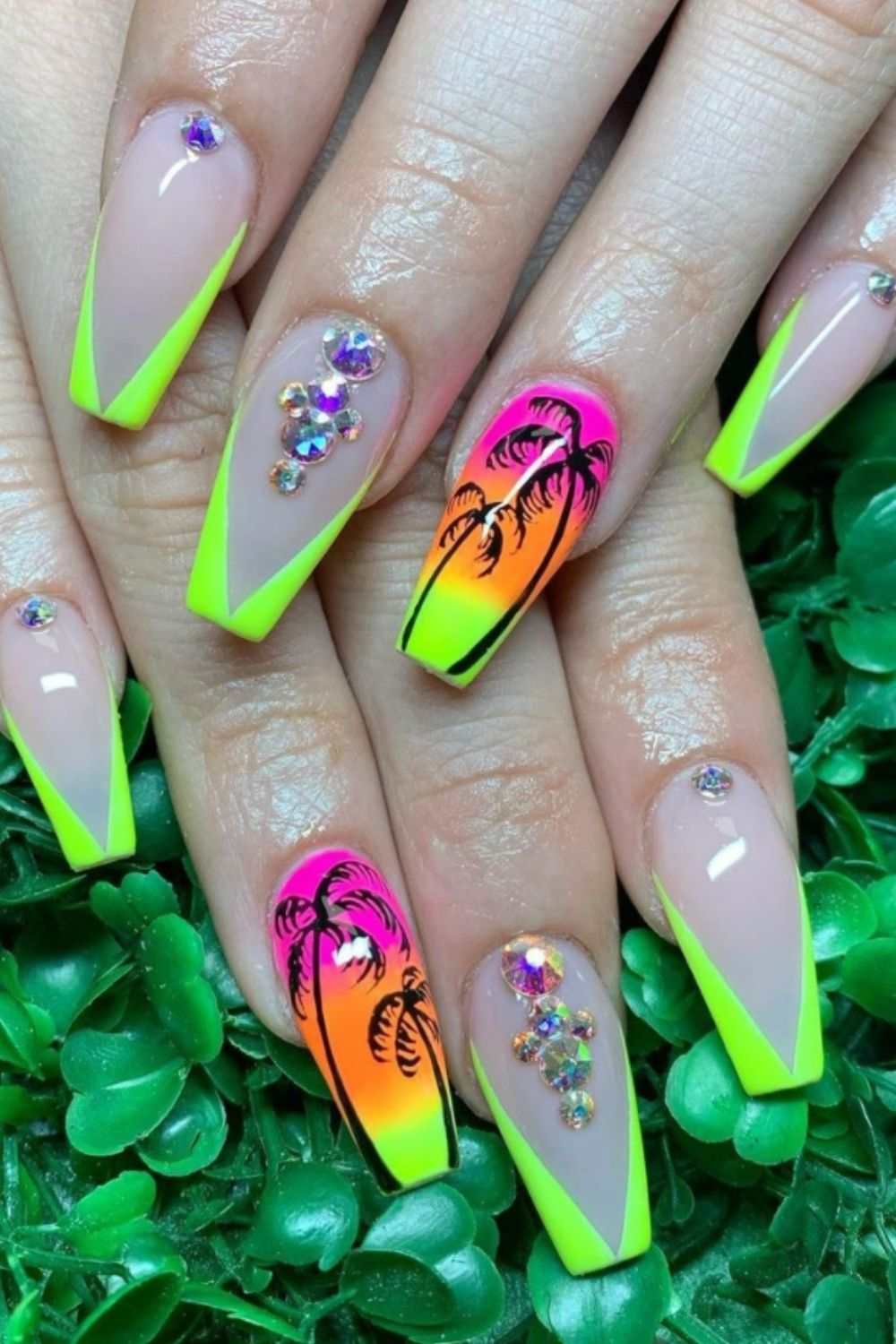 Simple Beach Nails Designs for Summer nails 2021