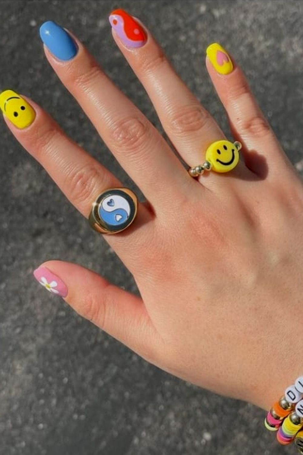 Short acrylic nails designs with heart and smiling