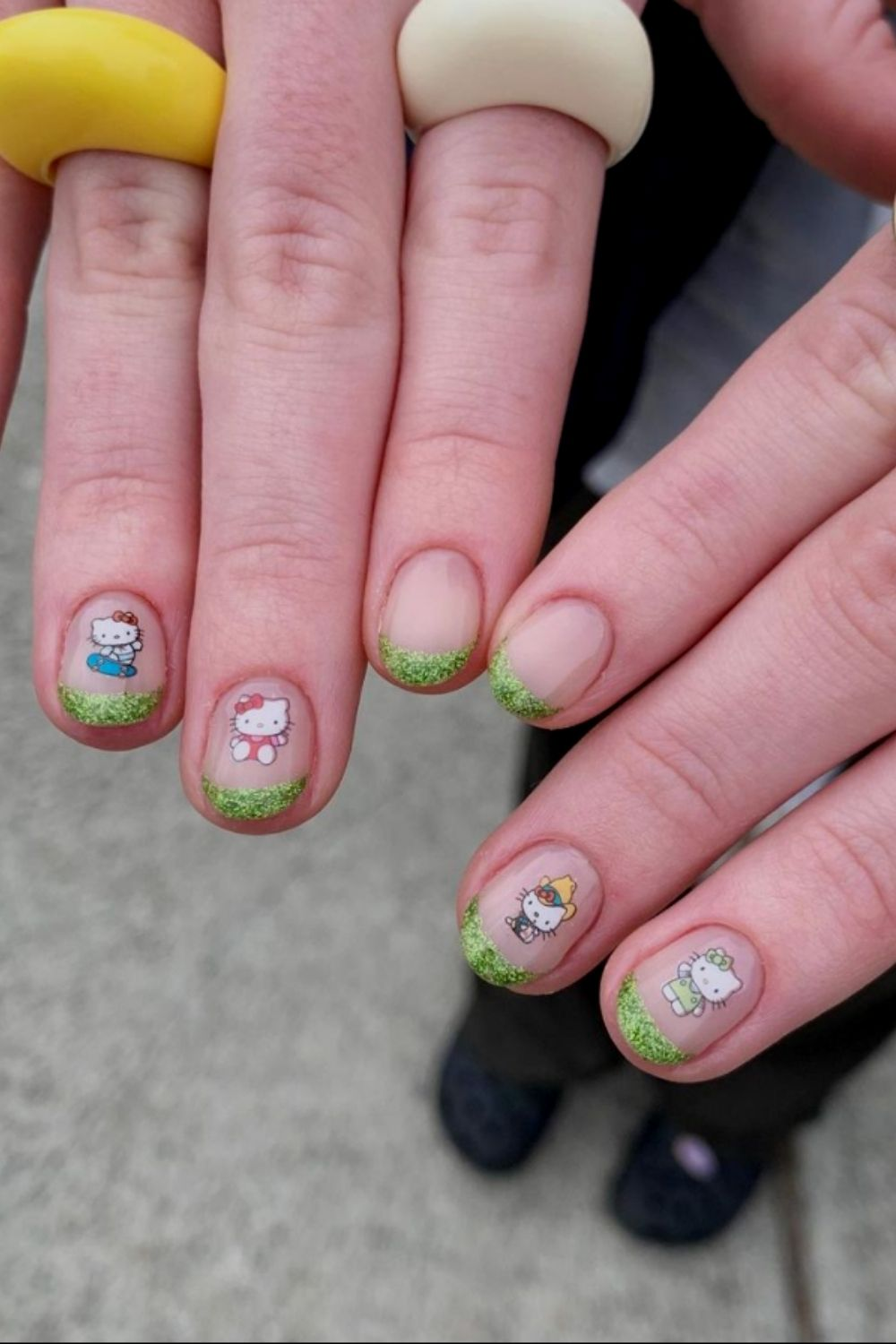 short acrylic nails designs with cat
