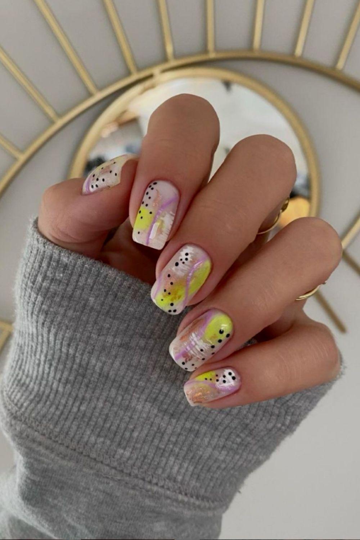 Short acrylic nails ideas