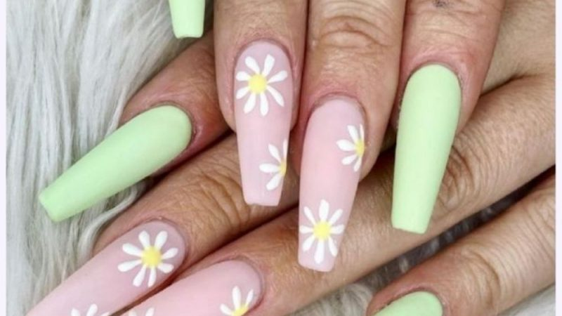 32 Classy and Cute Flower Nail Designs to Try This Year