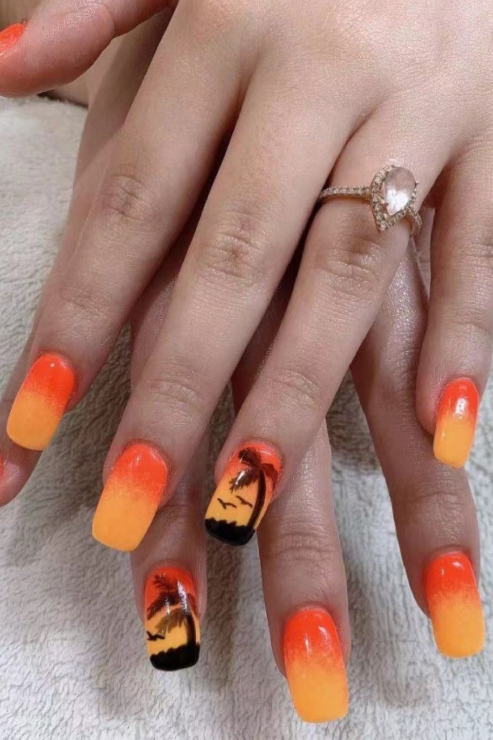 Cool Nail Designs for a Cool Beach Party