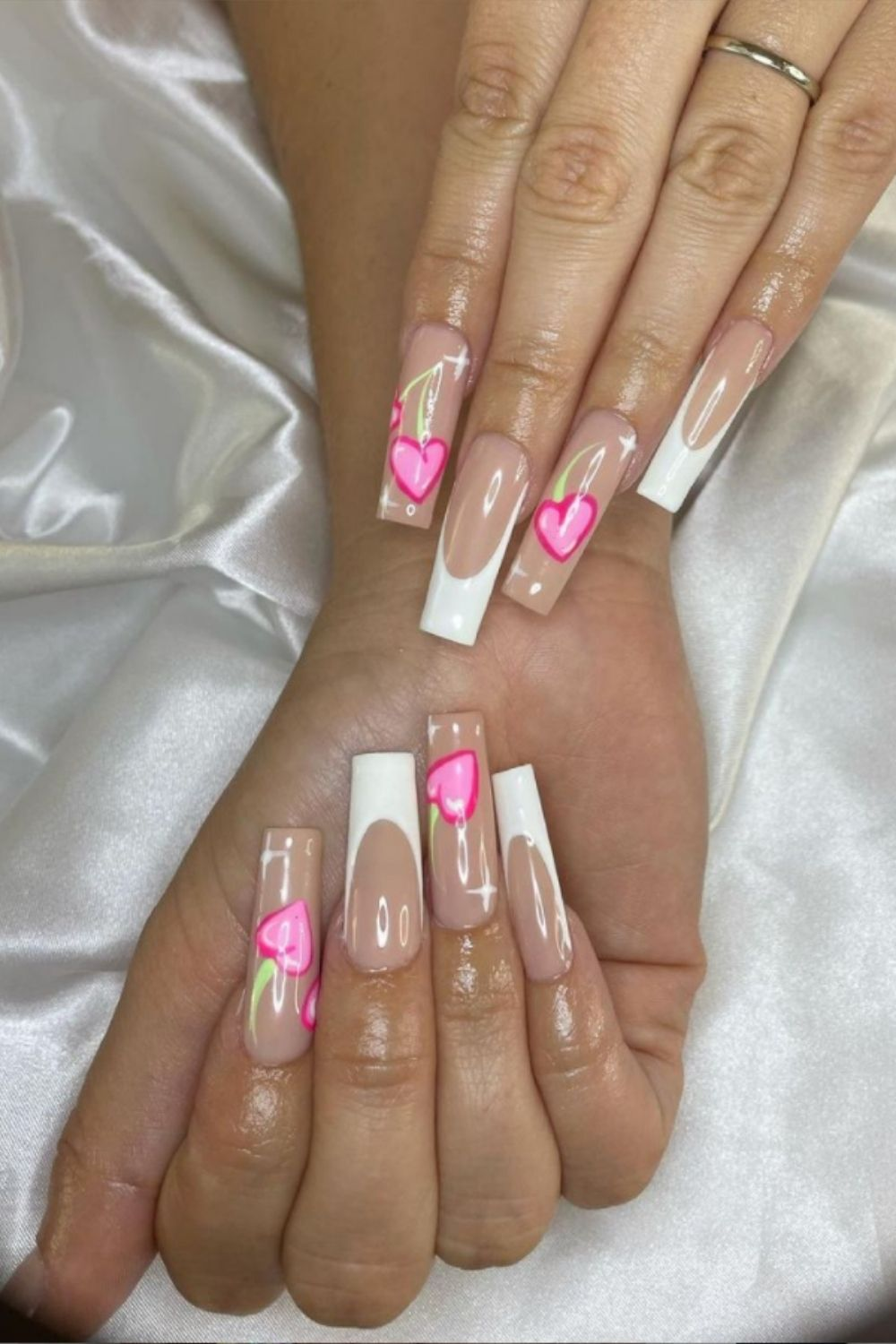 White tip coffin nail with heart