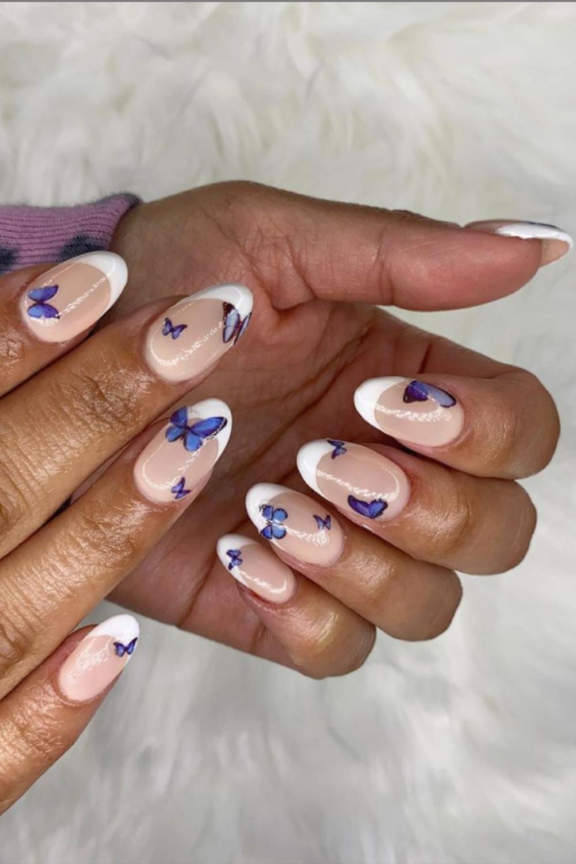 White tip short almond nails