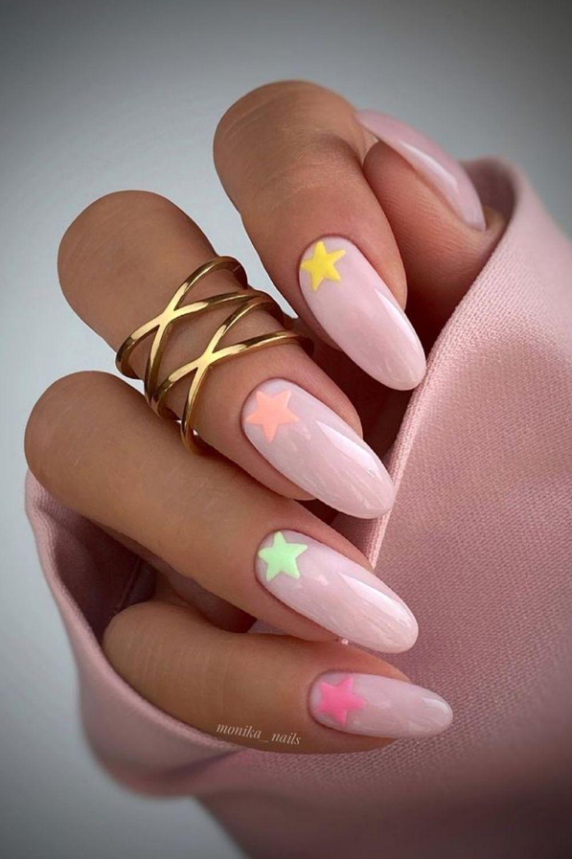 Star and nude nail