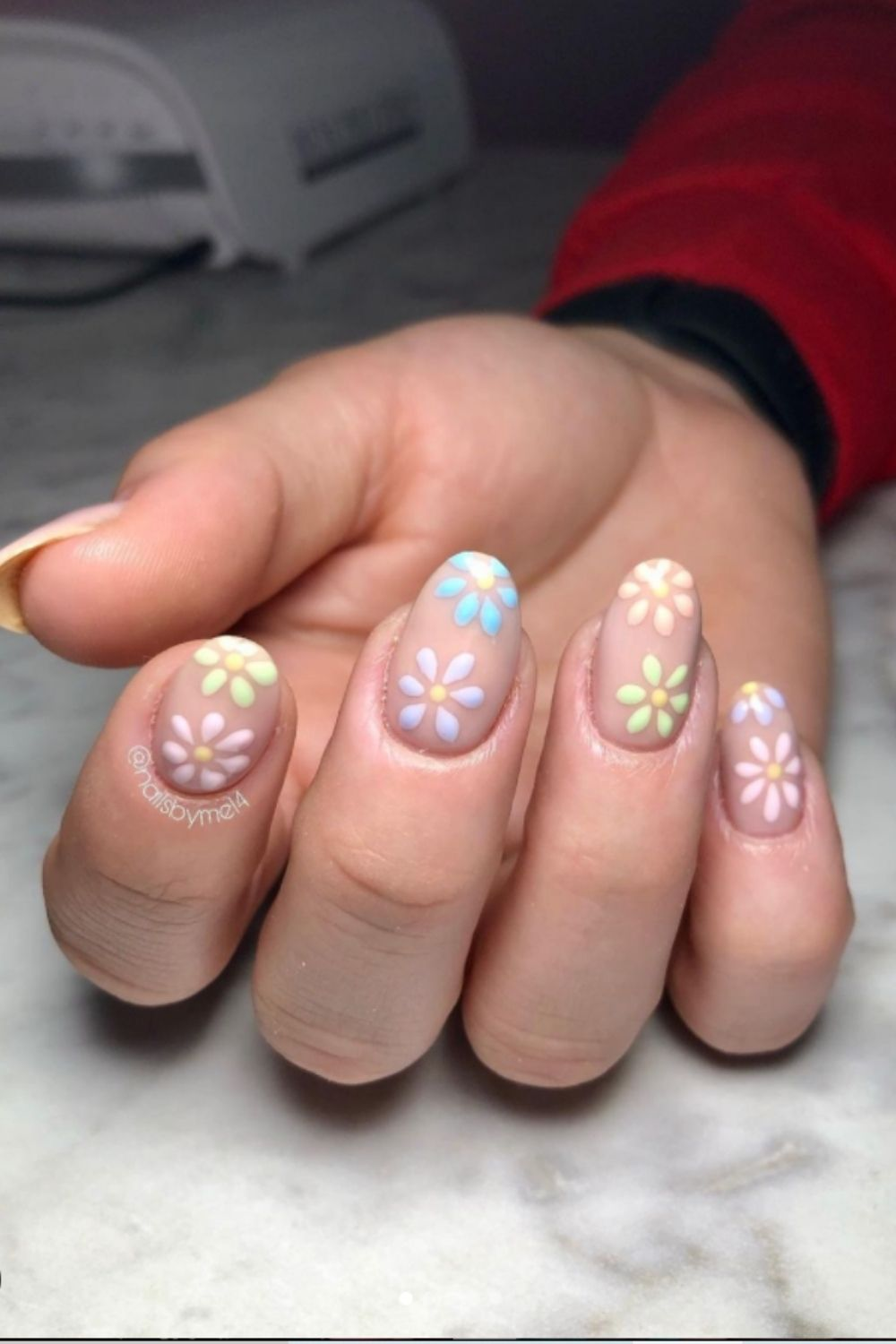 Oval nails art designs with flowers