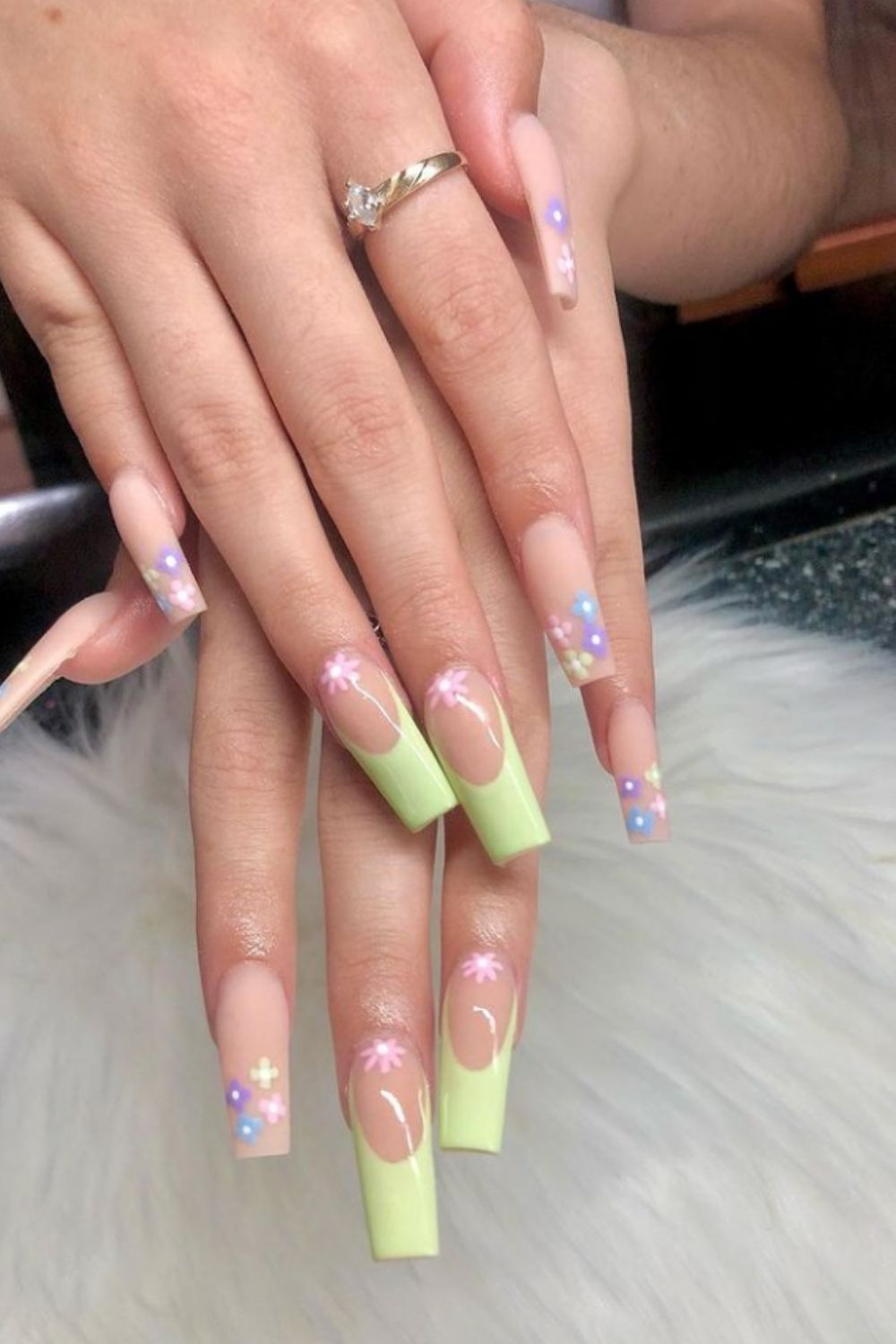 Neon tip coffin nails for summer nail art dsign