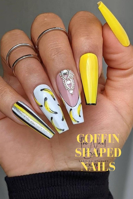 Yellow cofin nails