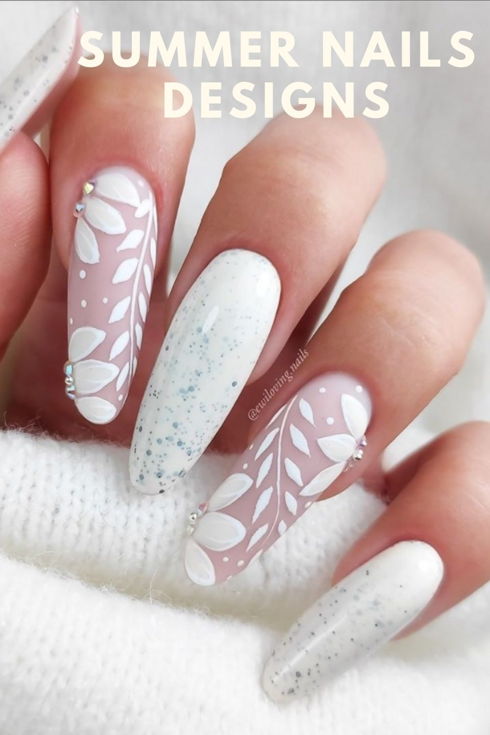 White almond nails with flowers