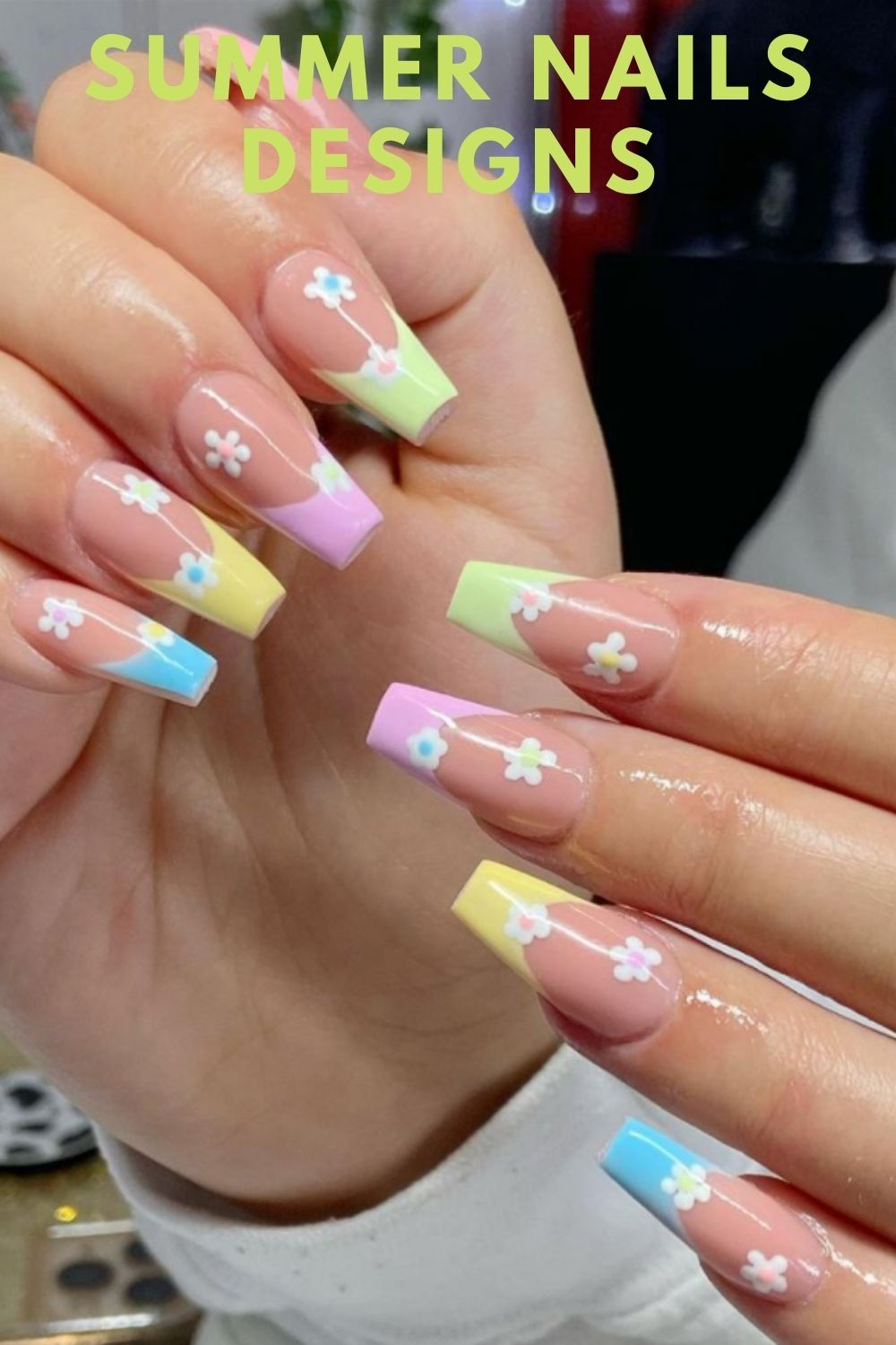 Coffin nails with flower