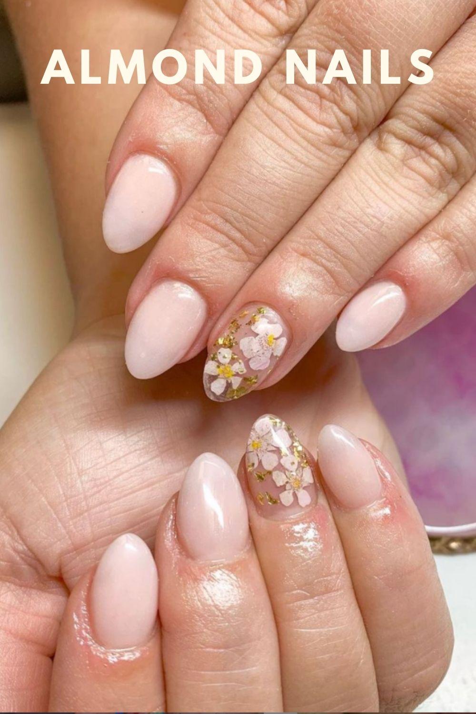 Glod almond nails