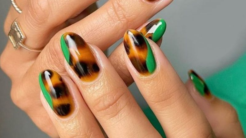 40 Pretty Acrylic Almond Nails Design You'll Love to Try 2021!