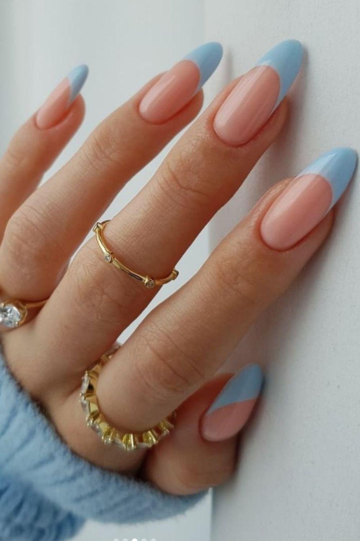Black and white almond nails design