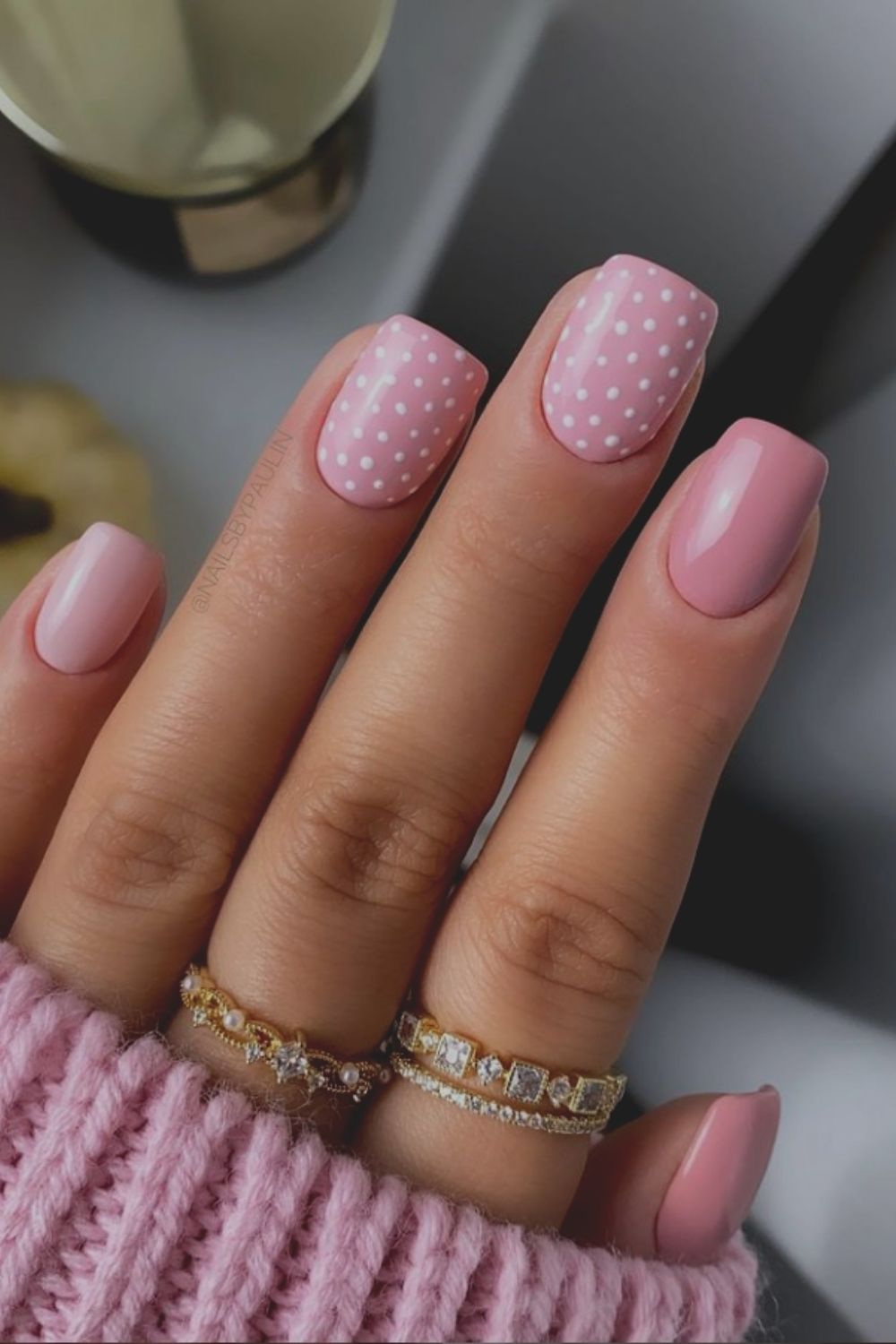 Cute pink and white short acrylic nails art