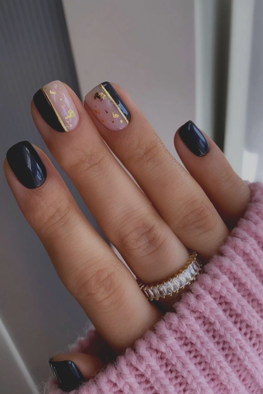 Black and glod nail art